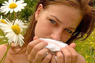 Полоскать горло ромашкой при ангине