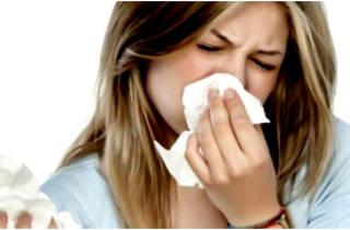 Из носа пахнет