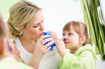 Как приготовить физраствор для промывания носа в домашних условиях